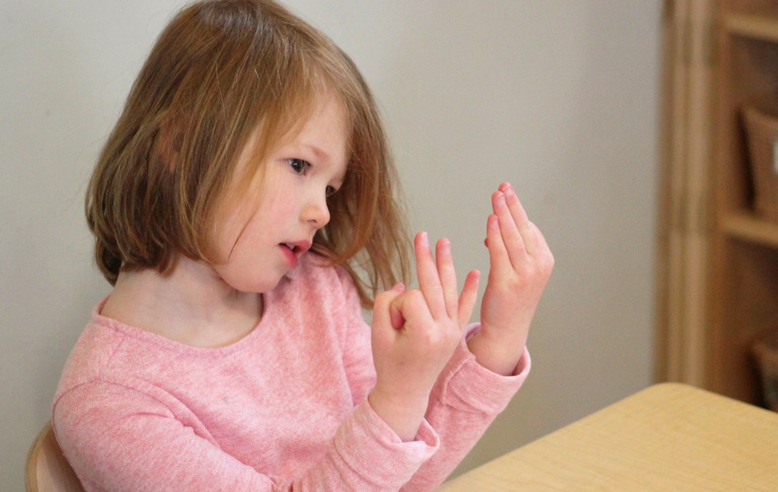 Preschool math games with finger counting